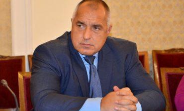 Борисов опитва да вземе труден завой