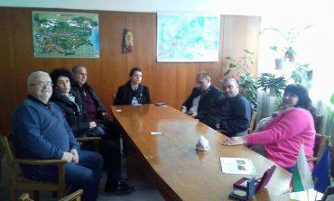 """Общински съветници и предприемачи от ГЕРБ-Младост направиха дарение за възпитаниците на СУПЦ """"Анастасия д-р Железкова"""" във Варна"""