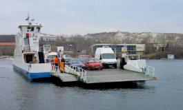 Отново колона на Аспарухов мост, фериботът в Белослав излиза в профилактика