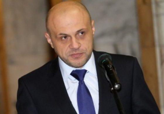 Томислав Дончев сяда в стола на Калфин в петък