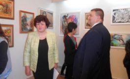 Кмет и евродепутат откриха изложба на 13 творци от Долни чифлик
