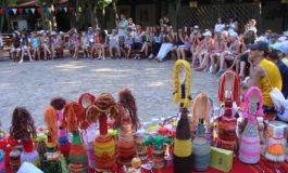"""""""Магията на куклите"""" събра в """"Камчия"""" повече от 200 деца от различни националности"""