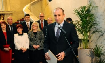 Президентът Румен Радев е готов с екипа си, обявява го в понеделник! Ето кои влизат в най-важния отбор на страната