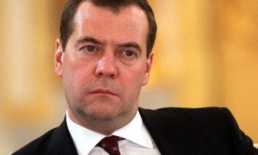 Преизбраха Медведев за лидер на Единна Русия