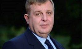 Каракачанов: В момента нещата са като на циганска сватба - един дава каруцата, друг магарето...