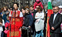"""Цвета Кирилова, """"Сдружение Азбукари"""": Инициативата """"Пробуждане с хоро"""" показва, че българските ценности са нещо, с което можем да се гордеем"""