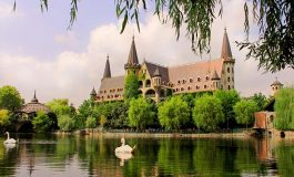 """Замъкът """"Влюбен във вятъра"""" става център за китайския туризъм на Балканите"""