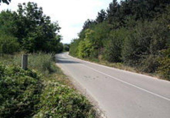 Основният ремонт на част от третокласния път Старо Оряхово – Долни чифлик – Гроздьово започва до края на месец юли