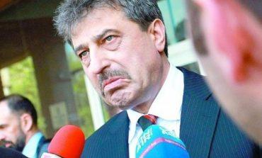 Звучи като небивалица, но е факт! Българският Бърни Мадоф (Цветан Василев) щял да търси закрила в САЩ!