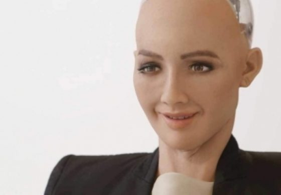 """Роботът с думите """"ще унищожа хората"""" стана първият в света, получил гражданство"""