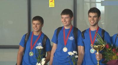 Български математици се върнаха с 8 медала от олимпиада в Москва