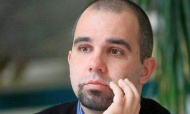 П. Симеонов: Сегашната власт може да падне не от проблеми, а от липсата им