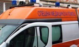 Шофьор се  потроши  в  крайпътно  дърво  във Варненско
