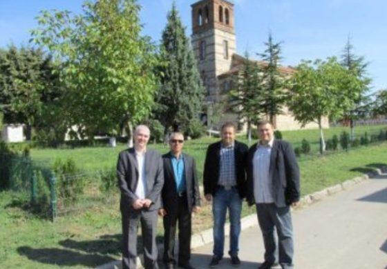 Евродепутат и общинар дариха камбана на храм