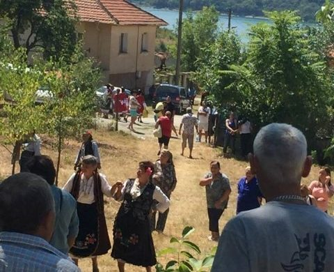 Кмета Георги Георгиев предупреди ли собствениците на имоти в Дебелец
