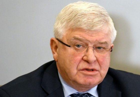 Извънредно! Кирил Ананиев е поискал оставката на директора на НЗОК проф. Камен Плочев