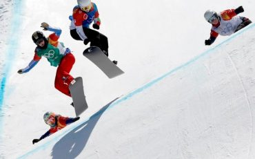 epa06530869 (L-R) Eva Samkova of the Czech Republic, Lindsey Jacobellis of the USA, Charlotte Bankes of France and Alexandra Jekova of Bulgaria in action during the Women's Snowboard Cross SBX Semifinals at the Bokwang Phoenix Park during the PyeongChang 2018 Olympic Games, South Korea, 16 February 2018.  EPA/SERGEI ILNITSKY