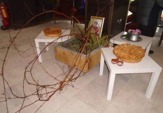 С празничен водосвет и ритуално зарязване на лозята отбелязаха Трифон Зарезан в община Долни чифлик