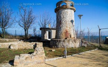 stock-photo-antichen-rimski-far-nos-sveti-atanas-12402 (Small)