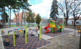 Откриха детска площадка и спортно игрище в Галата