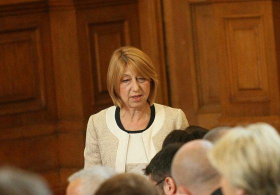 Варненски депутати от БСП продължиха рейда за събиране на подписи срещу сделката с ЧЕЗ в Провадия, Девня и Долни чифлик