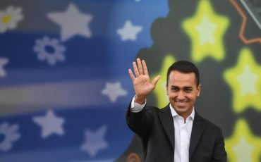 epa06223797 The new leader of the Italian 'Five Stars Movement' and newly elected candidate for Italian Prime Minister, Luigi Di Maio, speaks to a crowd during the 'Italia 5 Stelle' (Italy 5 Stars) event in Rimini, Italy, 24 September 2017. The Five Stars Movement meeting runs from 22 to 24 September 2017.  EPA/ALESSANDRO DI MEO