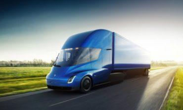 """Камионите на """"Тесла"""" вече са на път"""