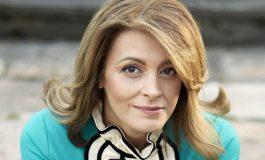 Коафьорът на първата дама: Десислава Радева е страхотна