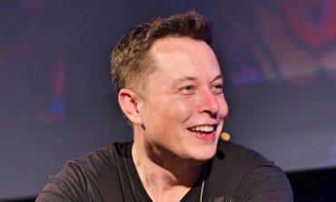 Мъск показа видео на Tesla Model X, дърпаща над 113 тона товар