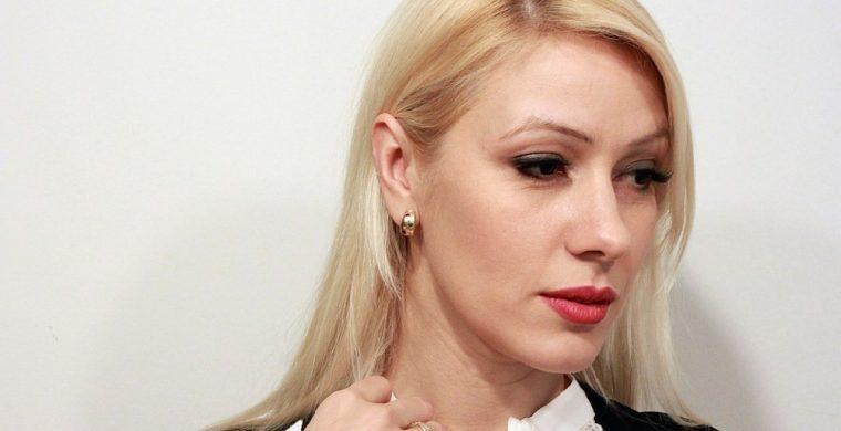 desi-bakardjieva-se-otkaza-ot-majete-aktrisata-otreche-za-vrazka-s-blatechki-1
