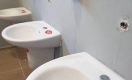 Крадци вилняха в тоалетната на новооткрития търговски център в Девня