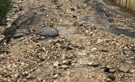 Вижте в какво се превърна варненско село след вчерашния дъжд, хората са в капан (СНИМКИ)