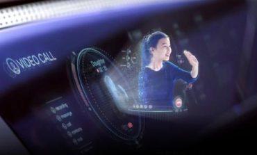 """Холограма на жена в бъдещите """"хюндаи"""""""