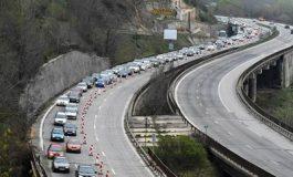 АПИ: Внимавайте на пътя Варна - Шумен край Каспичан, има разпилян товар на платото