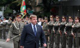 Правителството отлага проектите за модернизация на армията