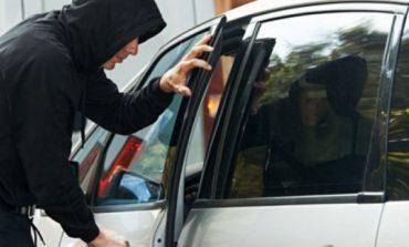 Задържаха три момчета за кражба на автомобил в Белослав