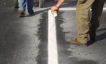 Нова хоризонтална маркировка е положена на общинската пътна мрежа на територията на община Долни чифлик