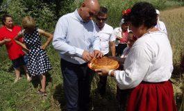 Жителите на село Момчилово отпразнуваха Деня на плодородието