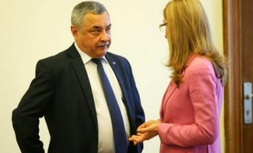 Валери Симеонов даде Министерството на туризма на прокурор