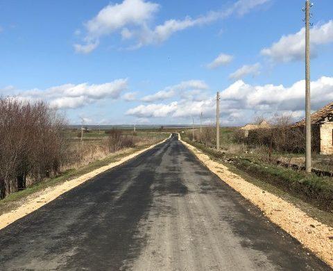 След разследване на Проватон АДФИ проверява ремонта на пътя Комарево – Храброво. Анатоли и Филчо пак притеснени. Натопяват главния архитект.
