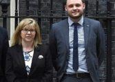 Двама зам.-председатели напускат Консервативната партия заради Брекзит