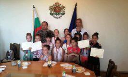 Председателят на ОбС в Суворово поздрави златните момичета на общината