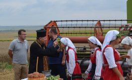 В Девненско откриха жътвата с възстановка на автентичен ритуал