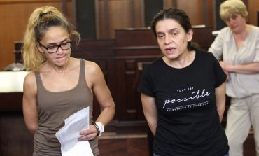 Иванчева и заместничката ѝ вече търкат наровете в Сливенския затвор