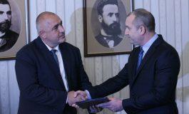 """Борисов не """"отразява"""" Радев. Респектиран е от логистиката на ЦРУ и """"предателството"""" на службите в Румъния"""