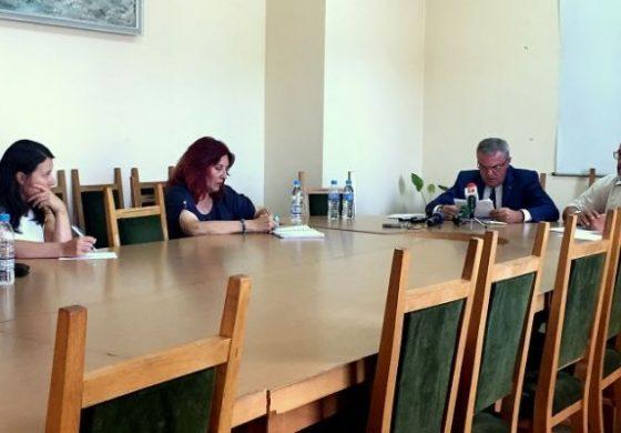 Румен Петков: Петьо и Петър управляват енергетиката срещу няма и по 10 000 лева на месец