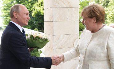 Das Handelsblatt: Ще се обединят ли Ангела Меркел и Владимир Путин срещу Доналд Тръмп?