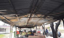 Прокуратурата разследва активно палежа на общинското пазарче в Девня