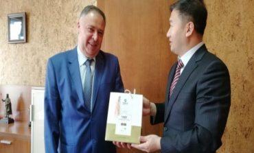 Нови перспективи и оптимизъм за сътрудничество между ТУ – Варна и академичните среди в Китай