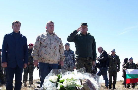 Каракачанов на Каймакчалан: Никога няма да забравим българските чеда, които загинаха за България
